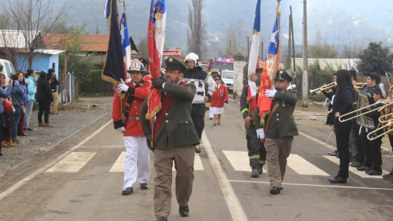 Bomberos de Las Cabras celebran su día con ceremonia y desfile