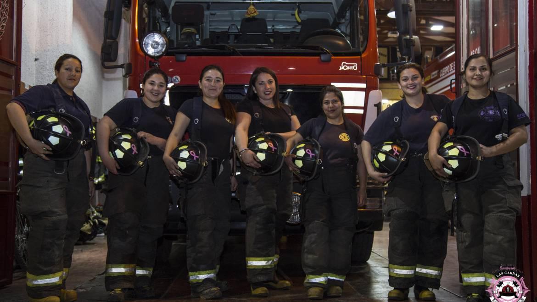 Primera Compañía Las Cabras se suma a la campaña contra el cáncer de mamas
